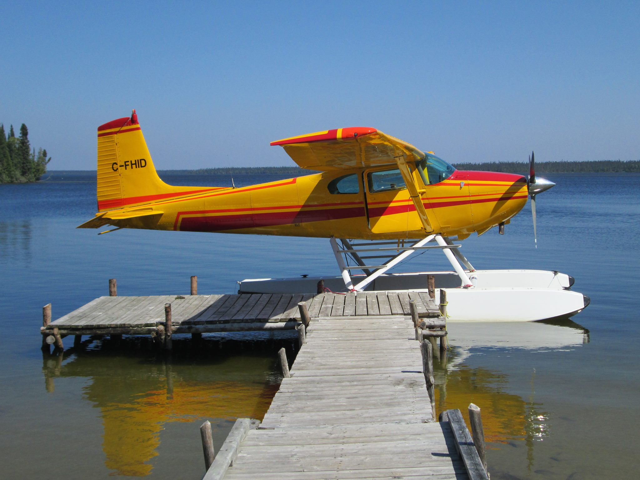 Cochrane air services limited northeastern ontario for Flying fish fleet