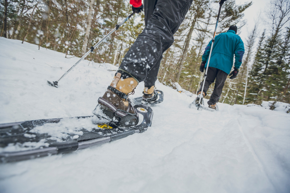 where to go snowshoeing in ontario