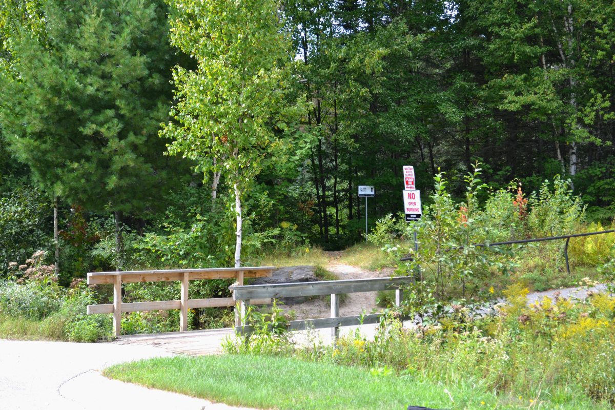 Campus Trail Entrance from behind Canadore College