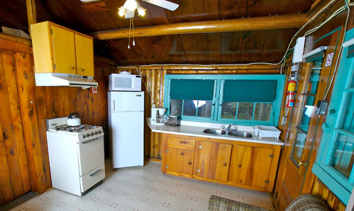 cabin1_kitchen